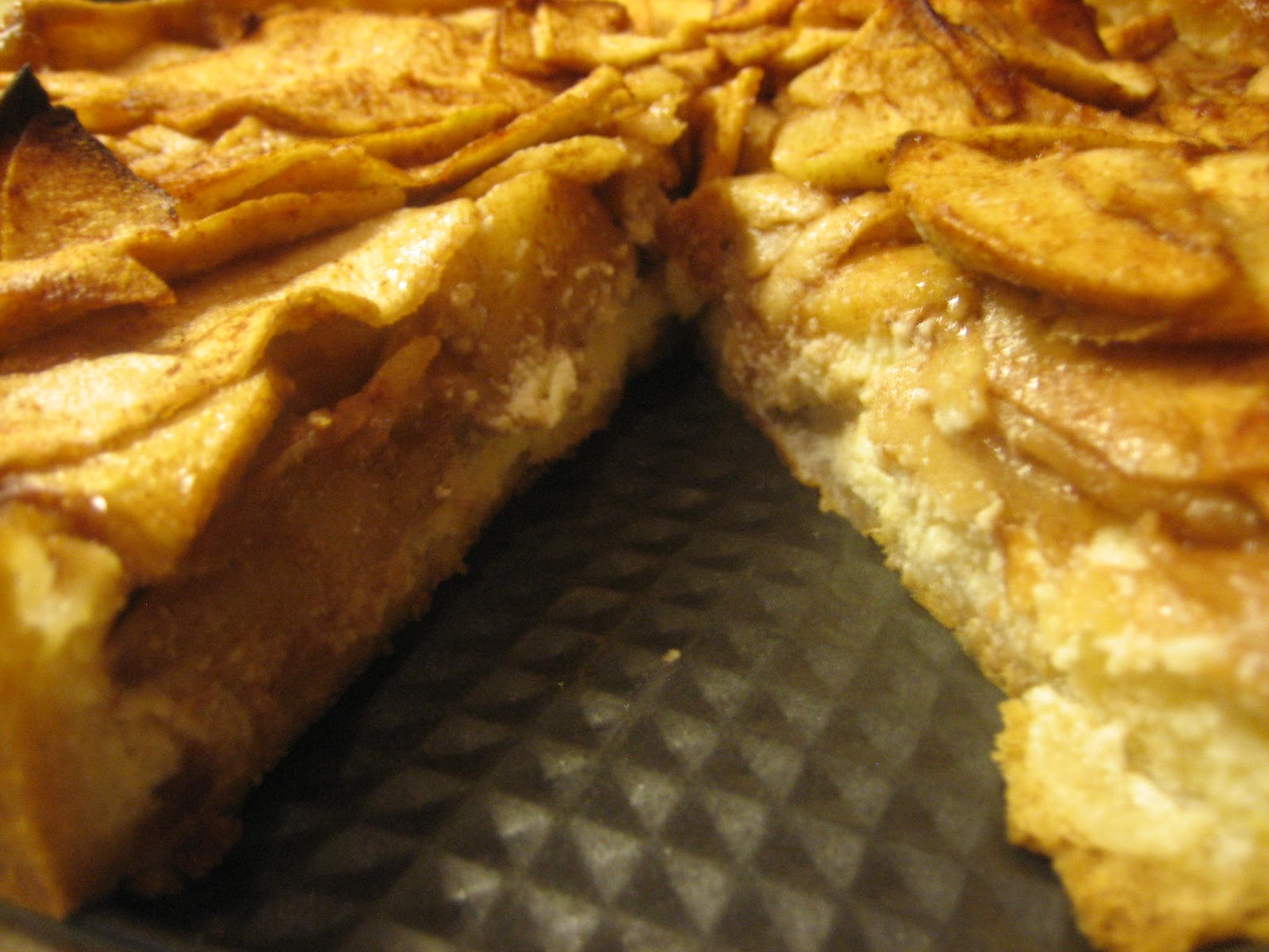 Watch Ricotta Cheesecake With Caramelized Apples video