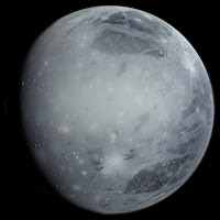 satélite natural de la tierra