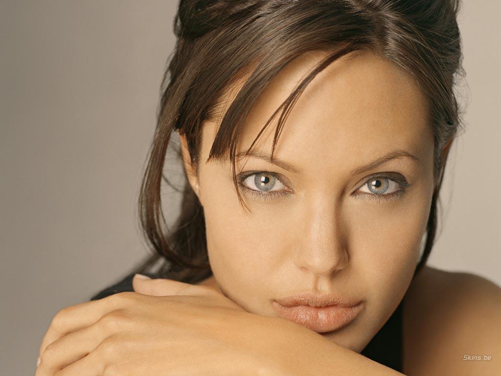 http://3.bp.blogspot.com/-umBtcW7zczE/TkY9nM0SA0I/AAAAAAAAC24/5mGJv-eti6A/s1600/Angelina-Jolie-angelina-jolie-221983_1024_768.jpg