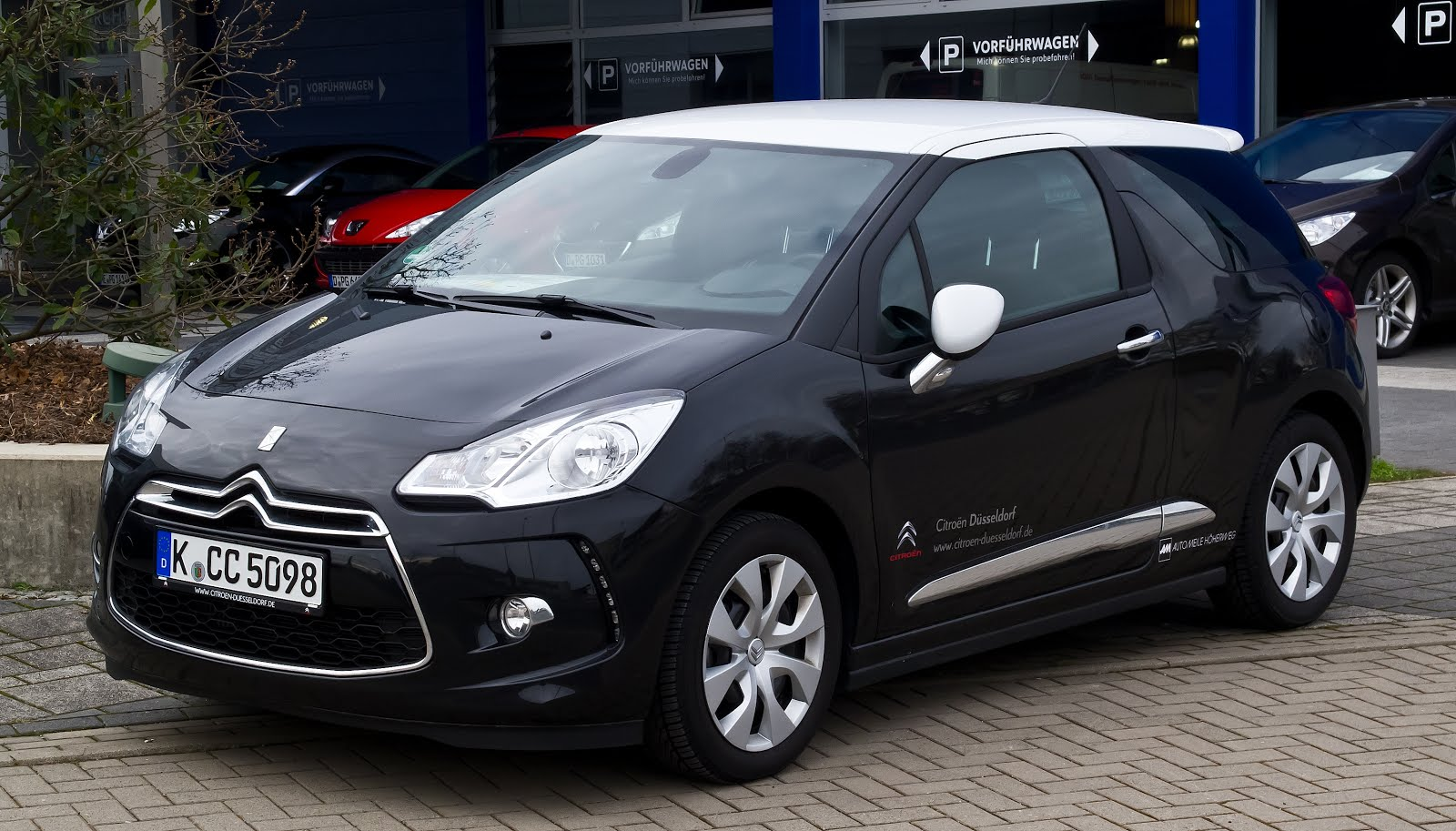 Reasons To Make Your First Car A Citroen Cool Cars Bikes - Cool first cars
