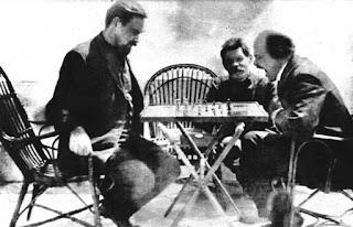Partida de ajedrez de Lenin con Gorki (1908) - publicado por el blog Revolución Cultural 002