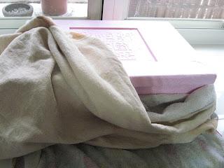 自製納豆-用保麗龍箱覆蓋毛巾保溫