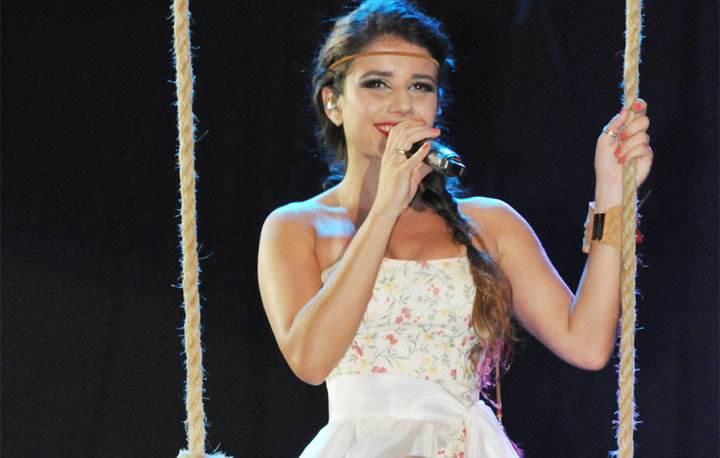 Paula Fernandes, la brasilera del unplugged de Juanes