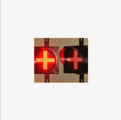 Hình ảnh đèn tín hiệu giao thông chữ thập D200 màu đỏ