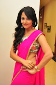 Anasuya dazzling saree photos-thumbnail-3