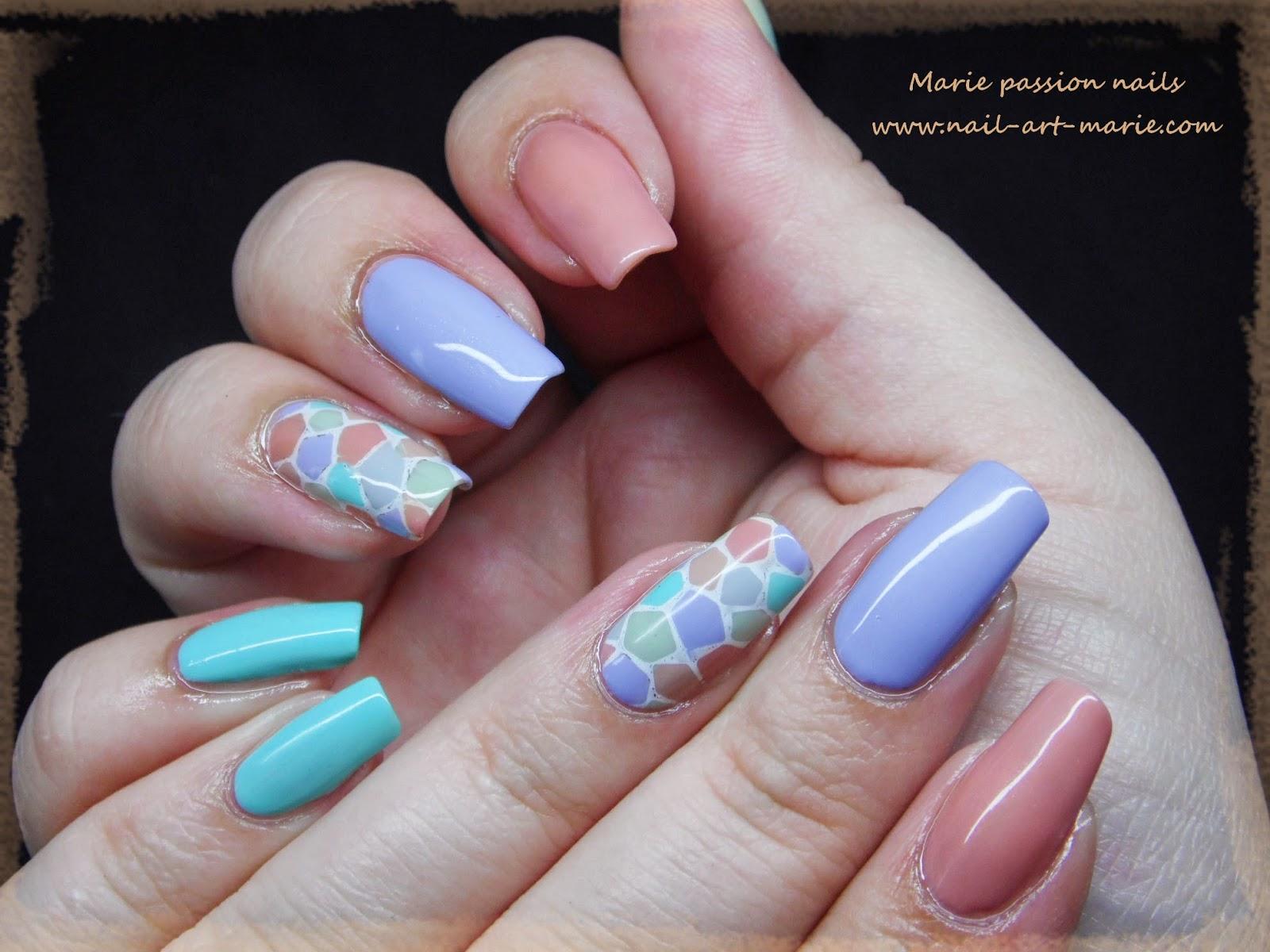 nail art mosaïque pastel1