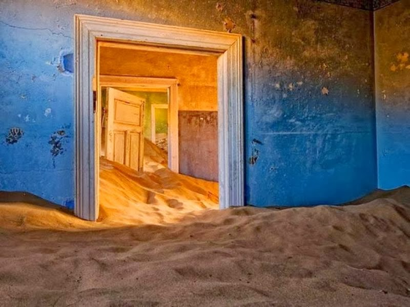 H επανάσταση ξεκίνησε. Abandoned-House-in-Namib-Desert-7