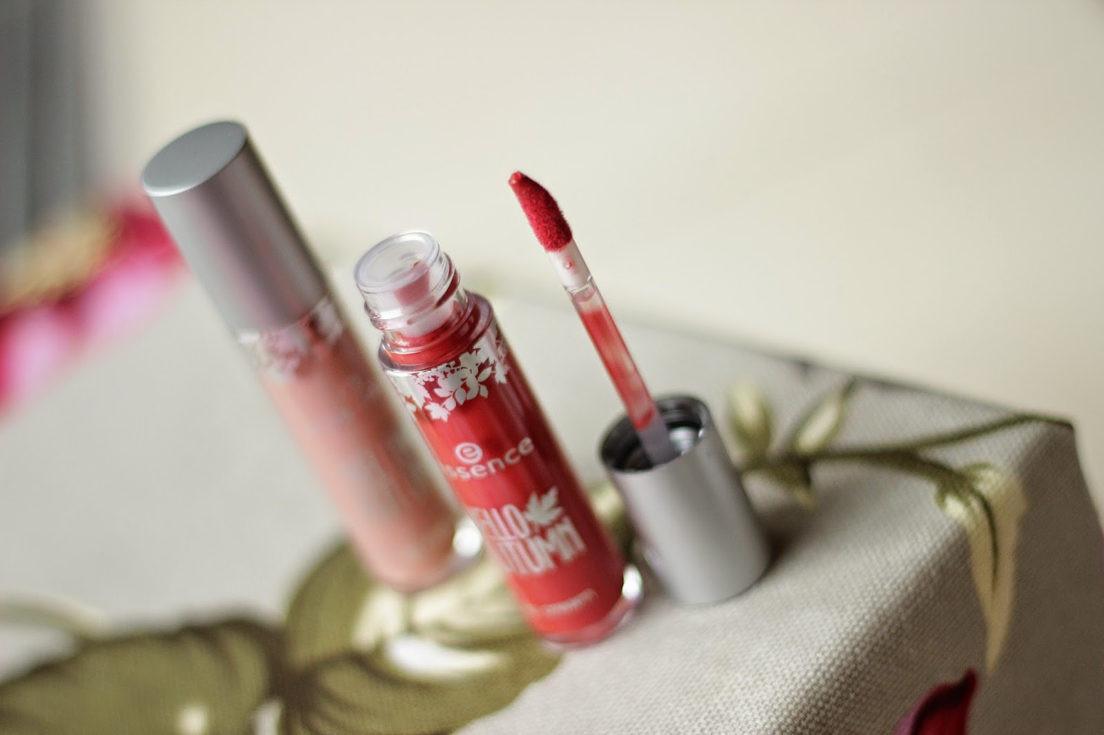 review swatches essence hello autumn lip cream beauti-FALL red