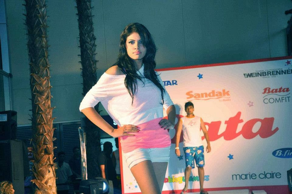 Melanie Cami on ramp