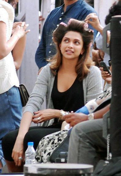 Deepika Padukone Hair Styling cocktail movie - Deepika Padukone on the sets of Cocktail Movie