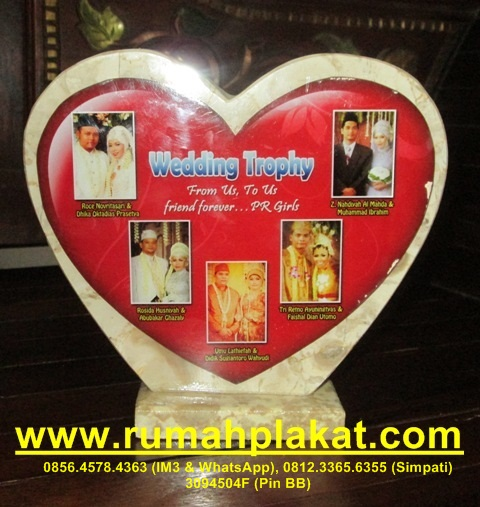 Pengrajin Plakat Wedding Surabaya, Pesan Plakat Nikah Murah, Vandel Wedding Malang, 0856.4578.4363, www.rumahplakat.com