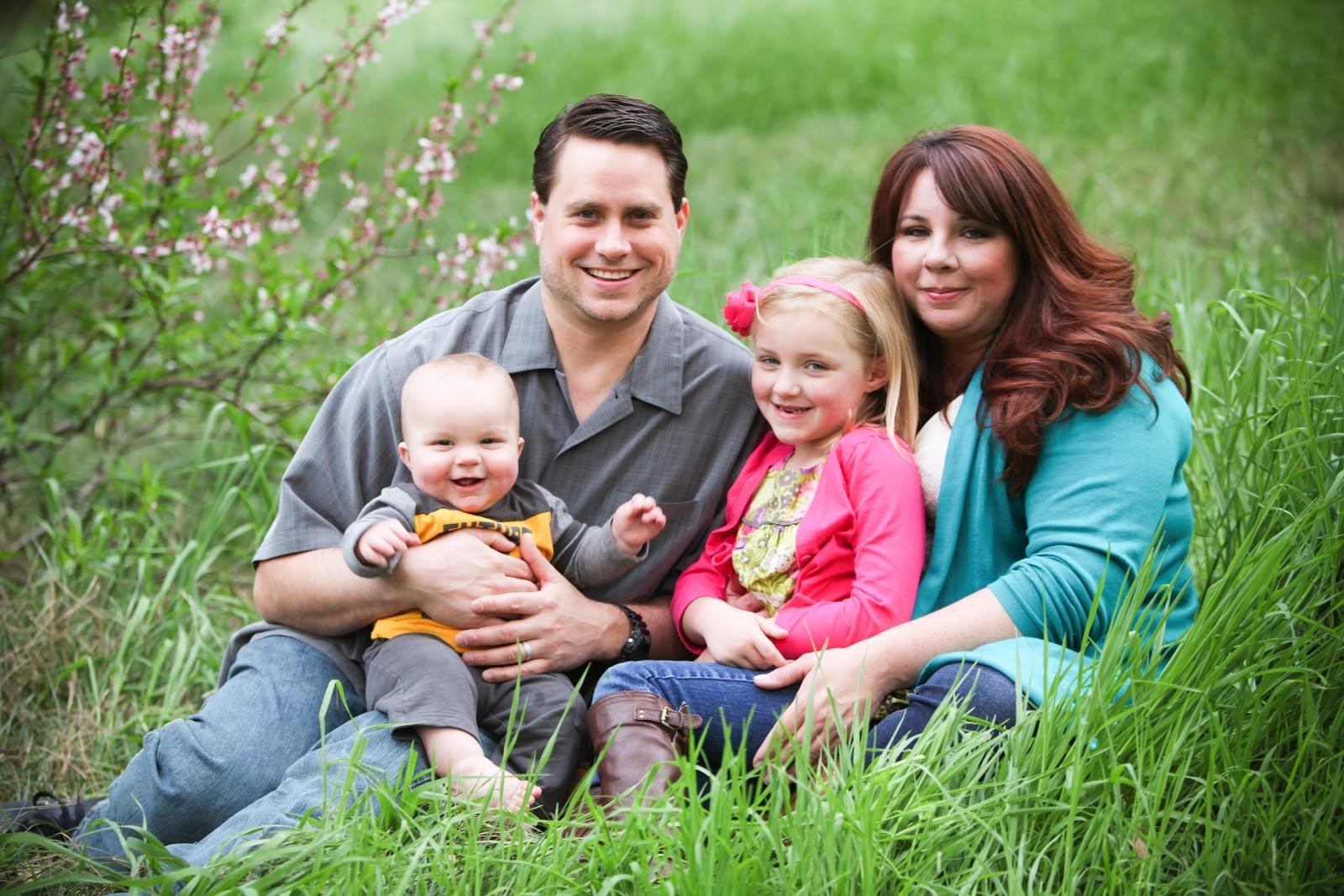 Family Photo Shoot Spring Family Photo Shoot