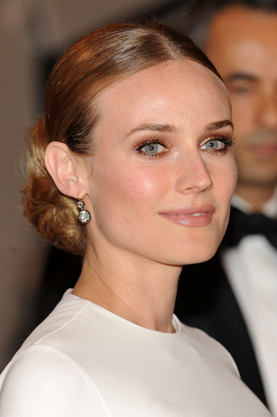 Diane-Kruger-Chignon-Hairstyle