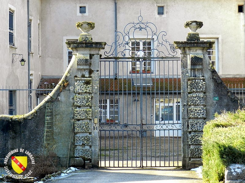 TONNOY (54) - Château