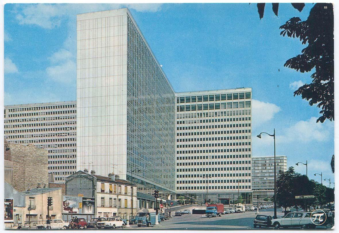 Architectures de cartes postales 2 le wagon l 39 algeco saarinen et mont - Jean dubuisson architecte ...