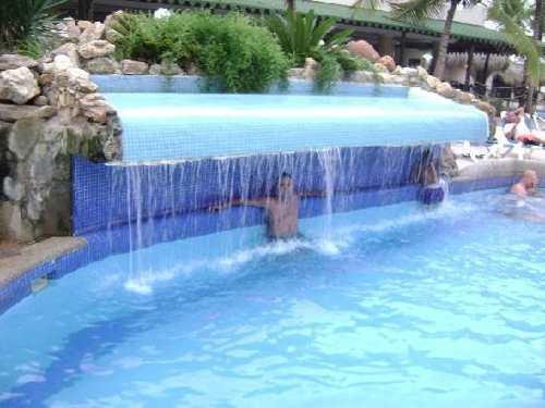 Proyecto piscina 21 for Cascadas de piletas