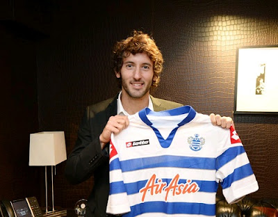 Esteban Granero with a QPR jersey