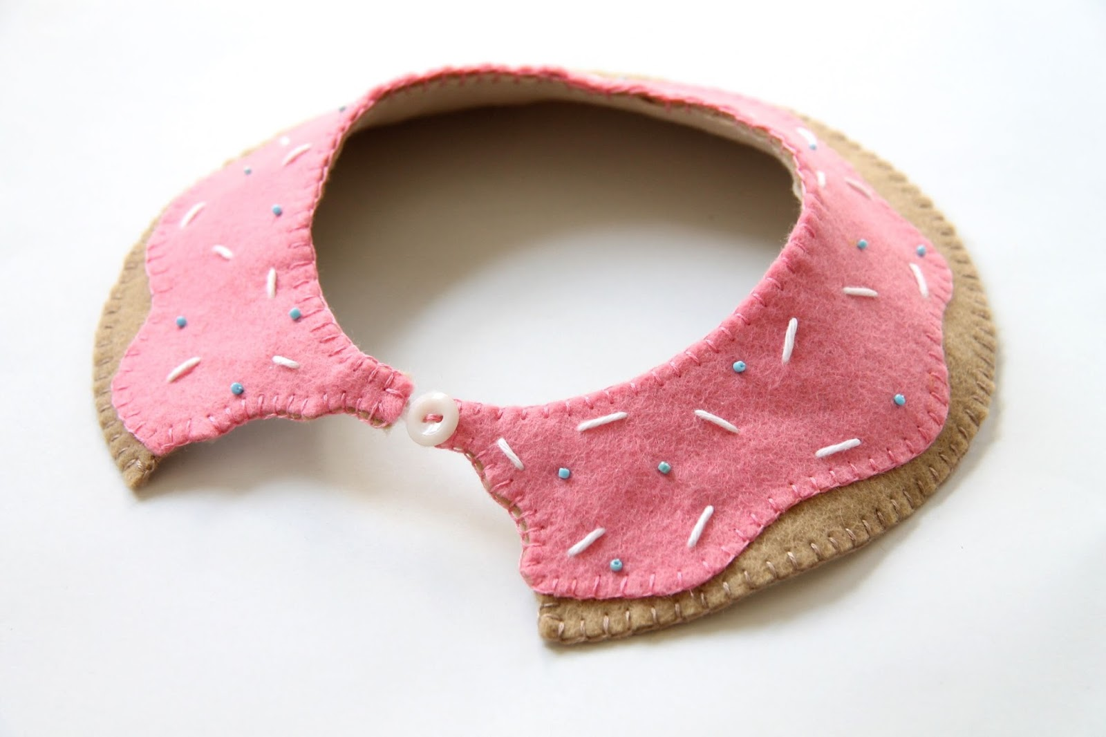 completed DIY Donut collar tutorial