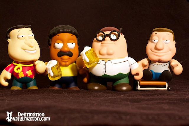 Cleveland Family Guy Toys : Destination vinylmation annemarie family guy kid robot