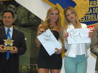 Marjorie de Sousa y Eiza Gonzalez en la Plaza de las Estrellas (telenovelas )