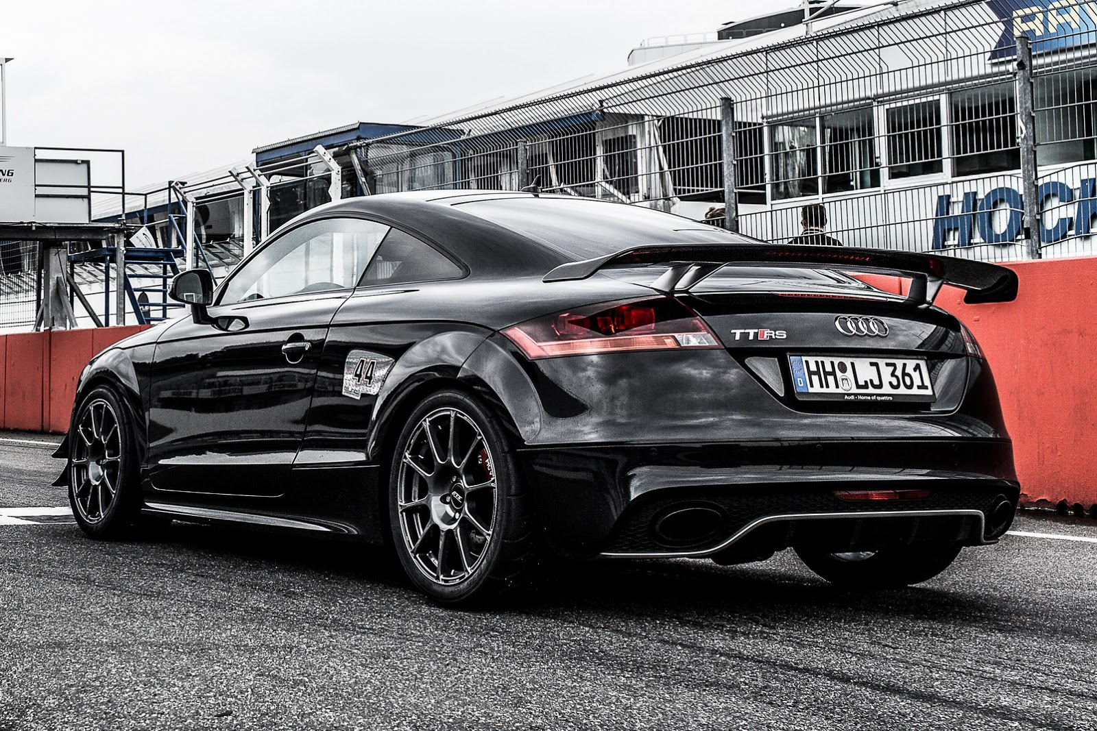 Hperformance Breathes New Life Into Old Audi Tt Rs Carscoops