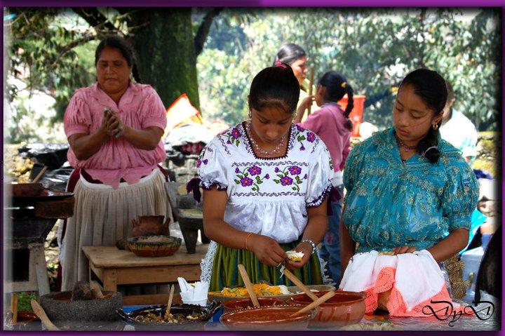 Mujeres purépechas dignas - Fotografía de DyD Fotógrafos de