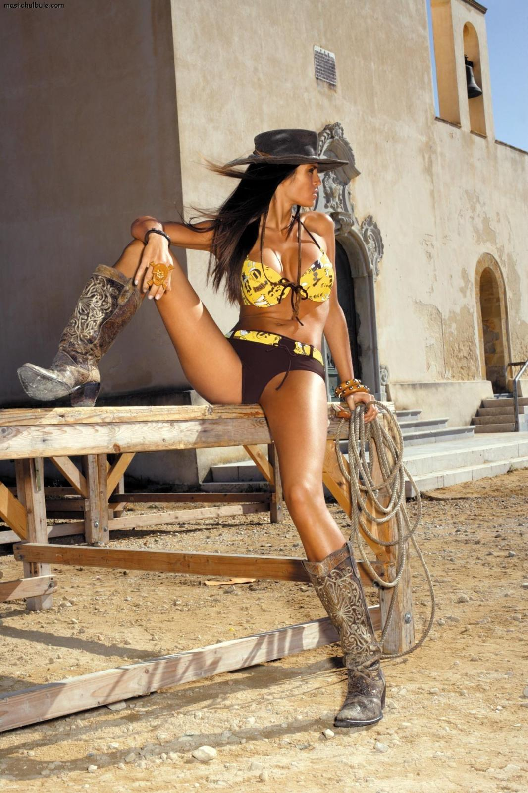http://3.bp.blogspot.com/-uoJLlNfpSew/T6V2cpbluaI/AAAAAAAABs4/DohDPK0pW0E/s1600/Beatrice+Chirita+7.jpg