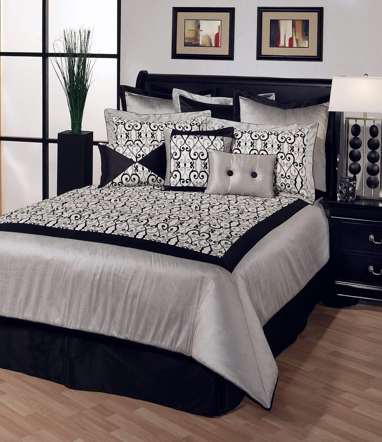 Black White Bedroom Decorating Ideas with pillow accent