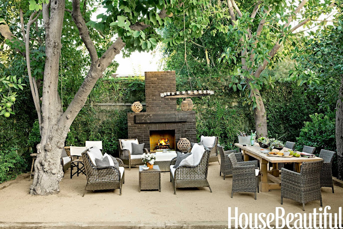 #7 Outdoor Living Room Ideas