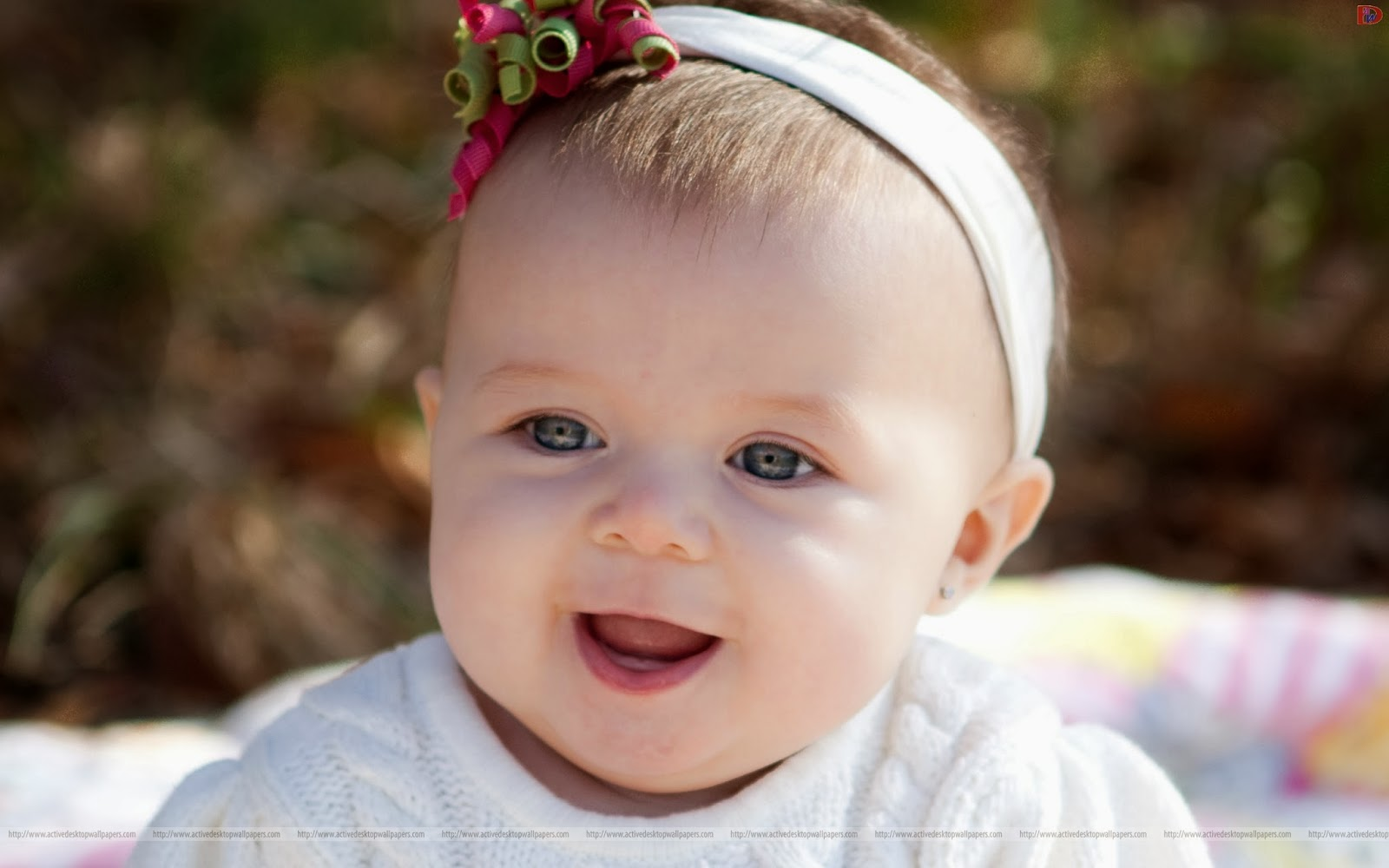 cute lovely pics: very cute baby girl