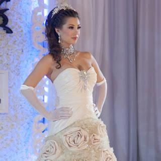 Berita gosip Pernikahan Irfan Bachdim -Jennifer Kurniawan Juli 2011