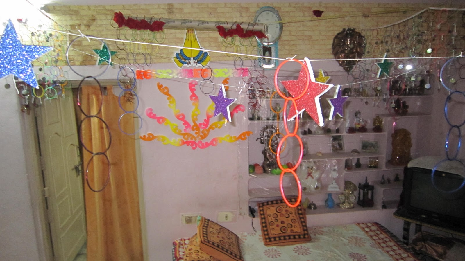 Make your own home made crafts baby shower decoration for Baby shower decoration cutouts