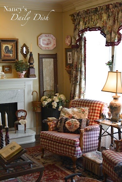 Nancy 39 s daily dish english cottage living room before for Cottage style family room