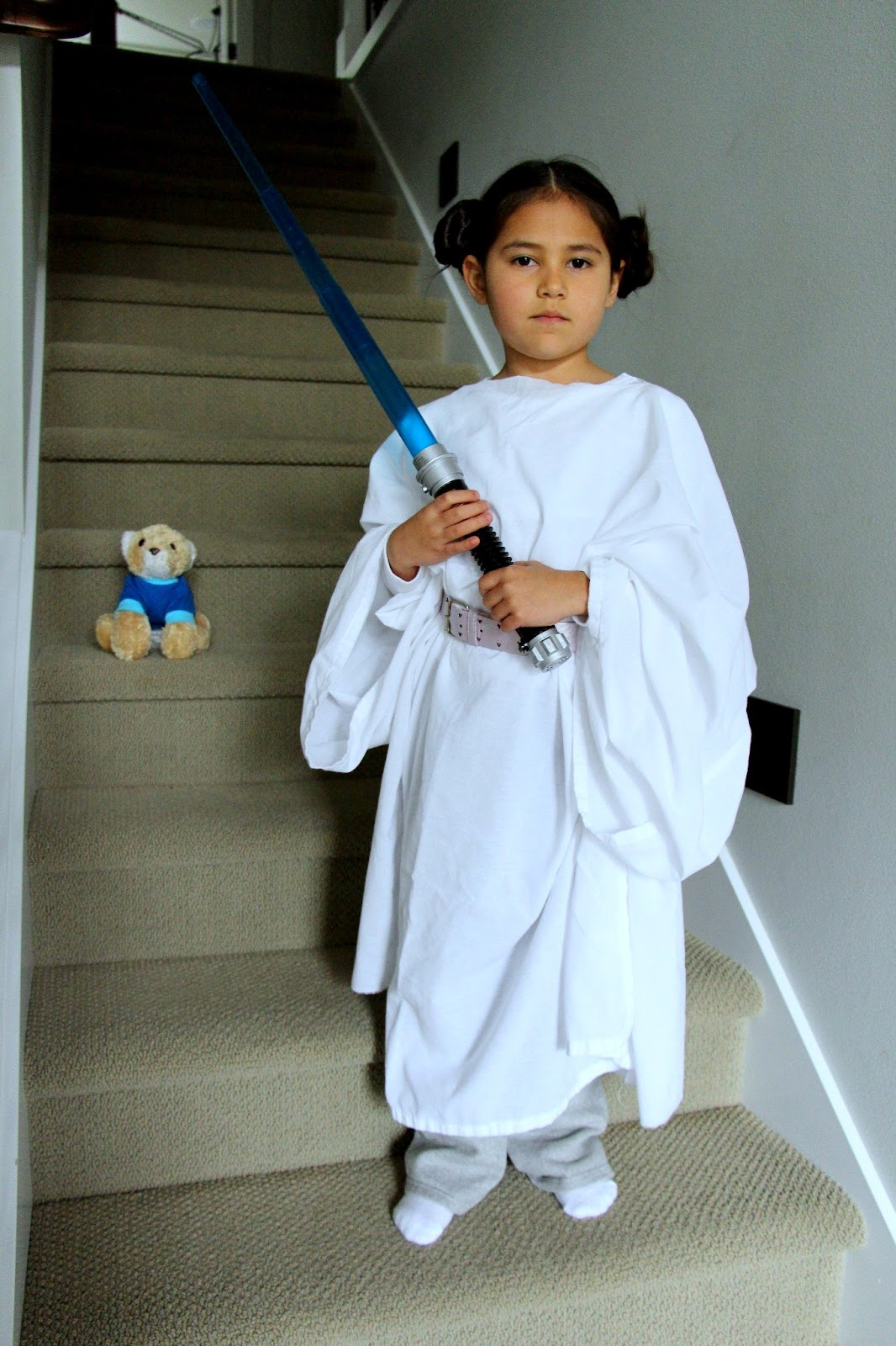 2-Minute Princess Leia Costume  sc 1 st  The Contemplative Creative & The Contemplative Creative: 2-Minute Princess Leia Costume