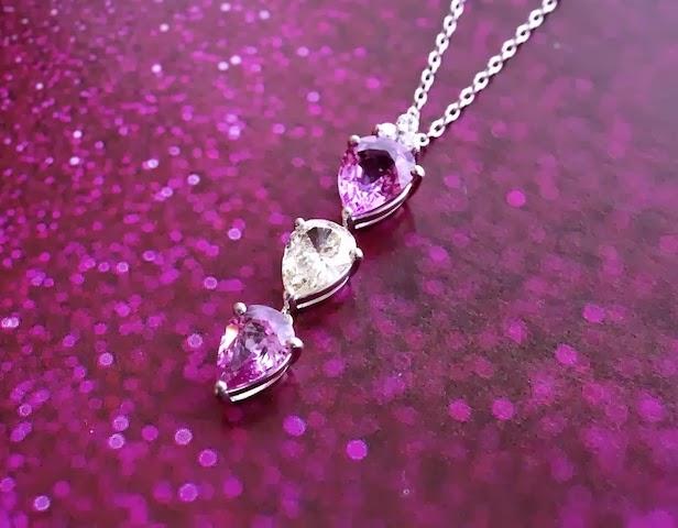 ピンクサファイアとダイヤモンドが双方を際立たせるデザインとなりました。