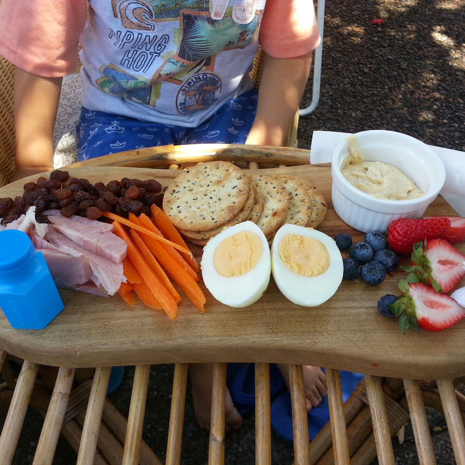 kids food eating out cafe style platter healthy budget