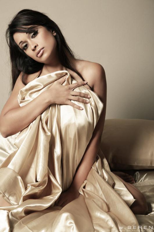 Minnie Gupta Nude Photos 28