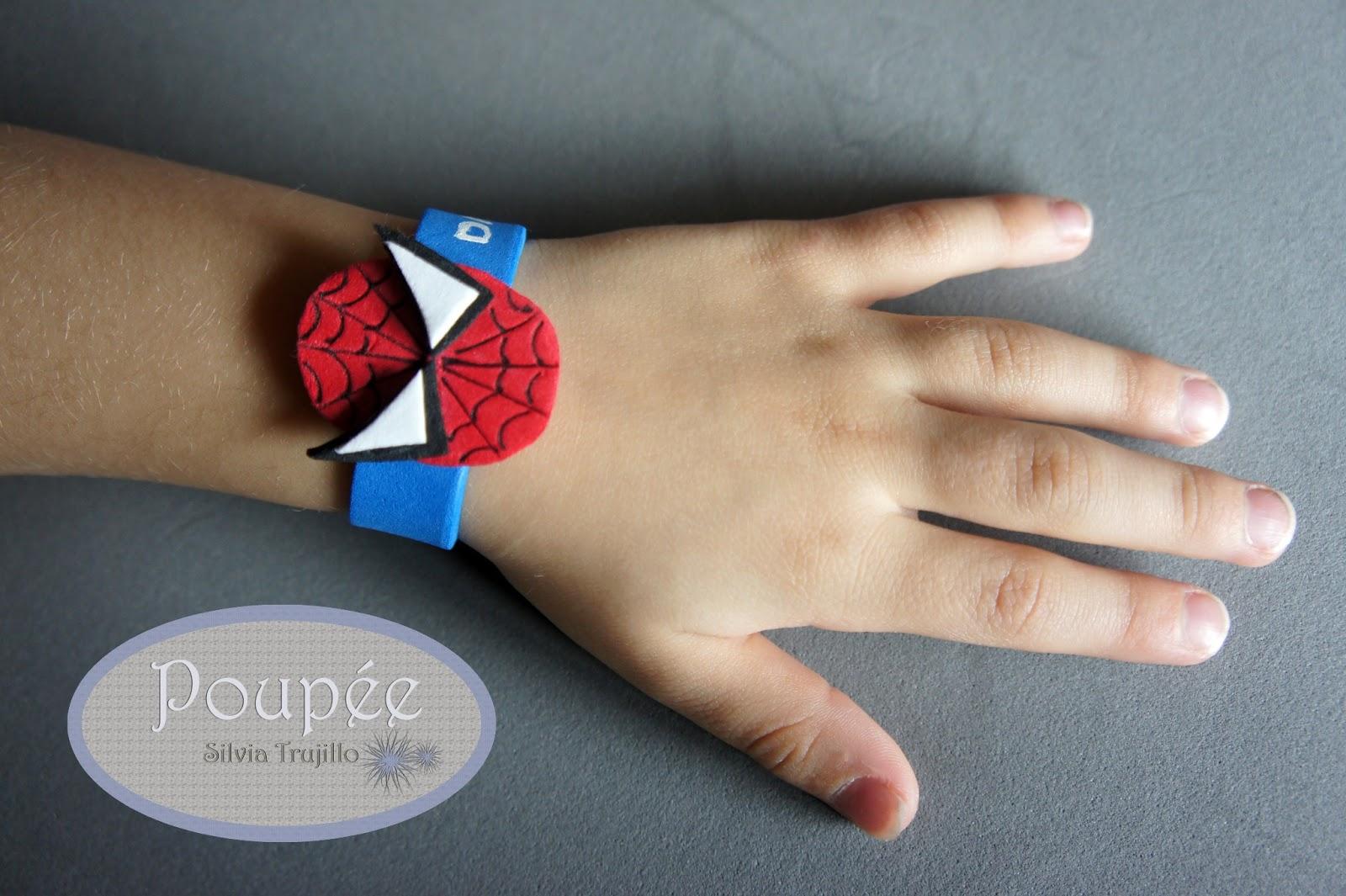 Pulseras de goma eva diy pulseras con manos de goma eva for Como hacer pulseras de goma eva