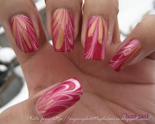 ukrasavanje noktiju - roze water marble nokti 002