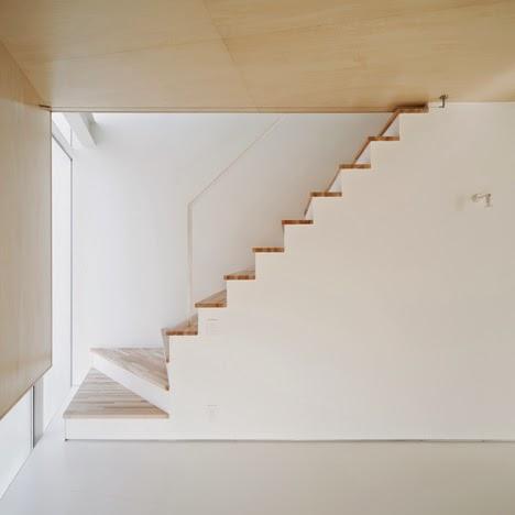 membangun-desain-bangunan-rumah-tinggal-minimalis-lahan-sempit-yoritaka hayashi-ruang dan rumahku-008