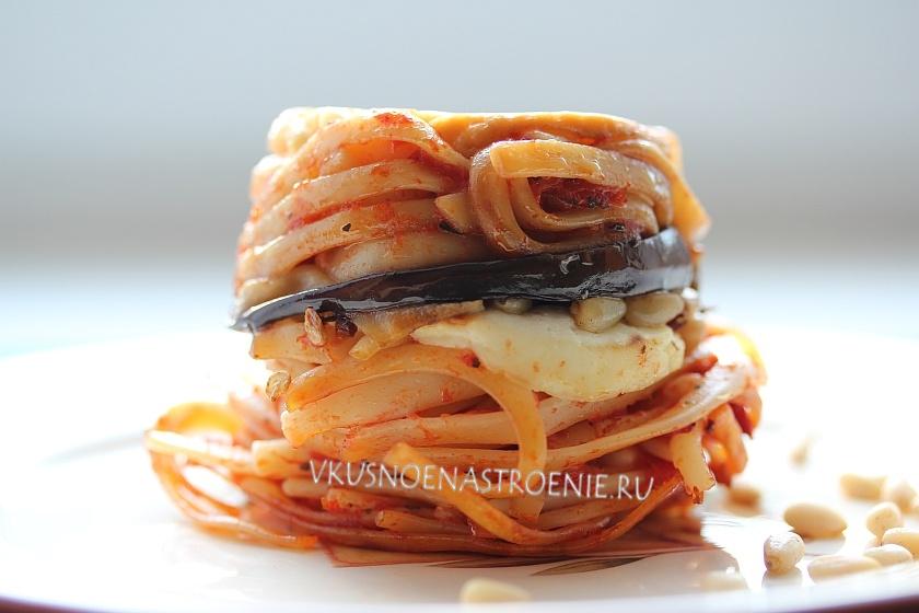 Тимбаллини из спагетти с баклажанами и орешками