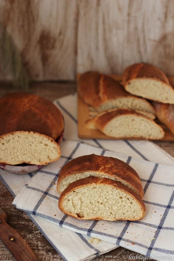 Pan a la mostaza de miel y parmesano