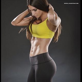 الموديل جين سلتر في صور رائعة تظهر جسمها المثير