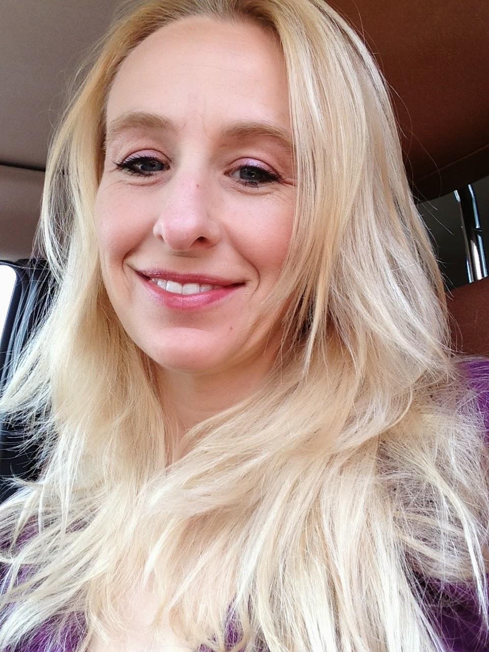 Psychic Medium Amanda Gatlin