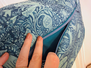 Lilium Laptop Bag-- back view