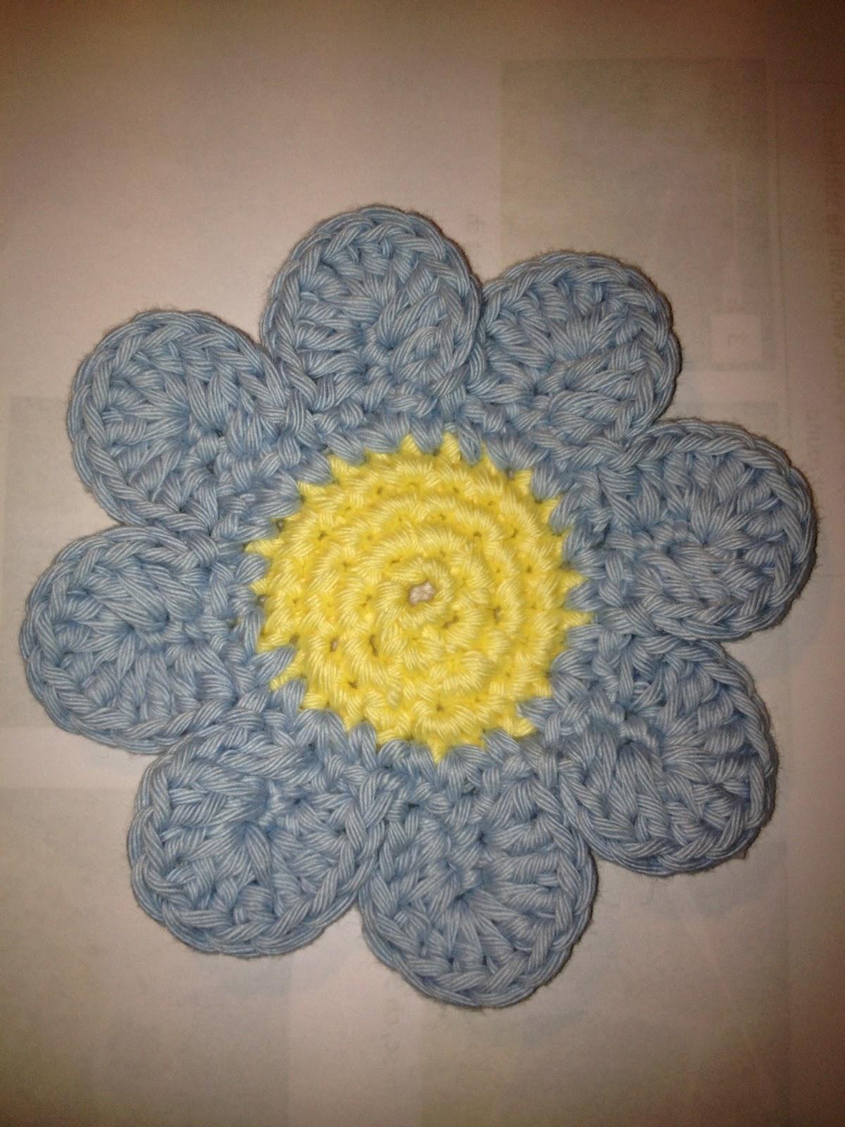 Free Crochet Daisy Coaster Pattern : Crocheting at Timaru: Daisy Coaster