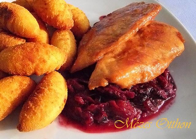 mézes szilvás csirkemell vörösborral krokettel fotó