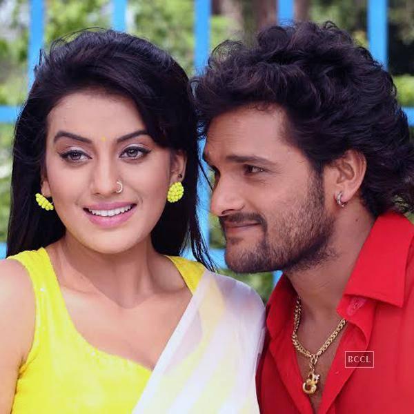 Khesari Lal Yadav & Akshara Singh film's Shooting of 'Dilwale' in Raipur