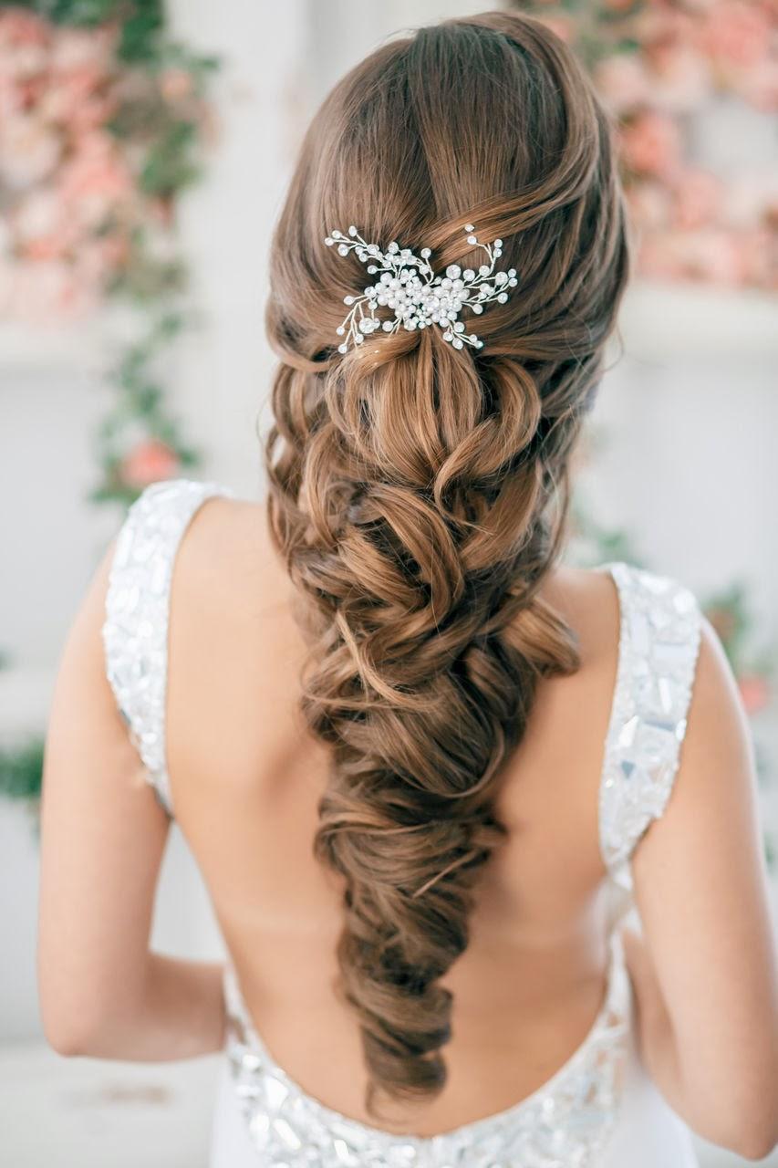 Découvrez ci,dessous des photos issues de ce portfolio et laissez vous tenter par la beauté de ces coiffures.