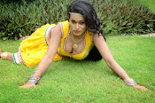 Item Girl Nisha hot photos-thumbnail-5